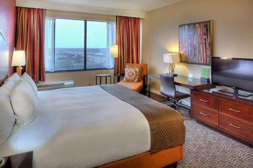 DoubleTree by Hilton Hotel St. Louis - Chesterfield Photo