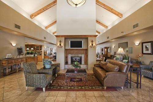 Homewood Suites By Hilton Phoenix-biltmore - Phoenix, AZ 85016