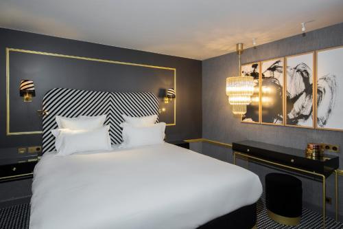 Snob Hotel by Elegancia photo 36