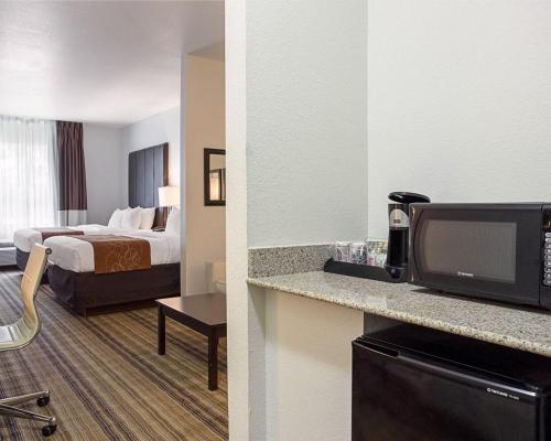 Comfort Suites Mandeville - Mandeville, LA 70471