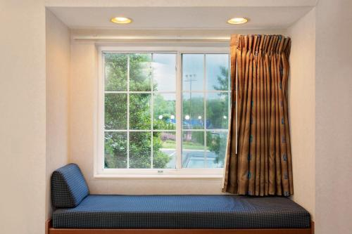 Microtel Inn by Wyndham Winston-Salem Photo