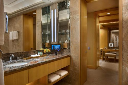 Four Seasons Hotel New York photo 41
