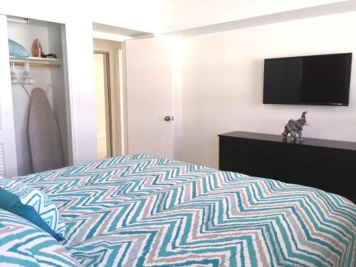 Amazing Two-bedroom Apartment Next To The Beach - Hollywood, FL 33019