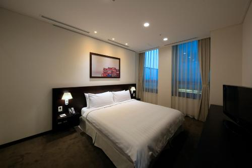 Orakai Insadong Suites photo 26