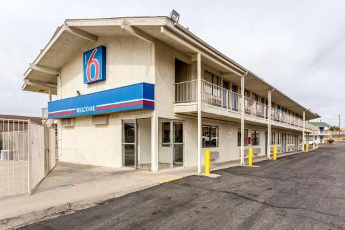 Motel 6 Northeast Albuquerque Photo