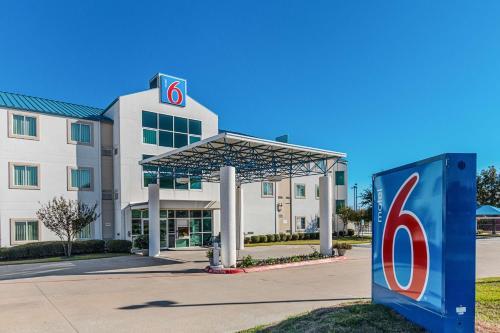 Motel 6 Fort Worth - Benbrook Photo