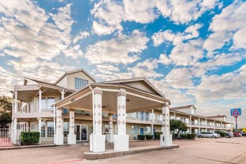Motel 6 Waxahachie Photo