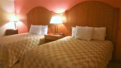 Canadas Best Value Inn And Suites Parry Sound - Parry Sound, ON P2A 2G5