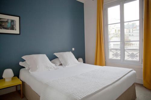 8 rue Laferriere, Paris, 75009, France.