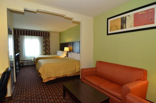 Quality Inn Near Seaworld - Lackland Photo