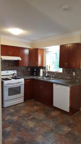 Furnished Vacation Home - Richmond, BC V6X 2V3