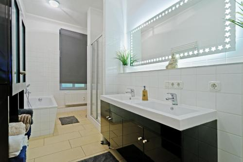 Grand Central Mitte Apartment photo 213