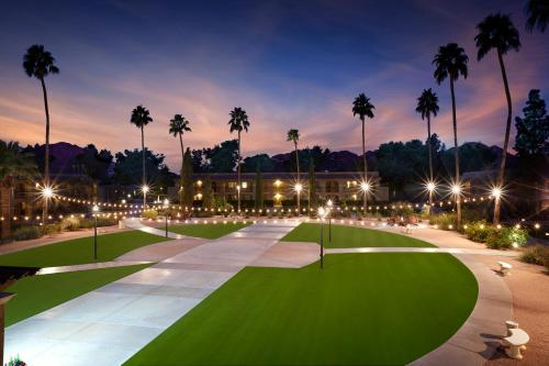 Scottsdale Plaza Resort Photo