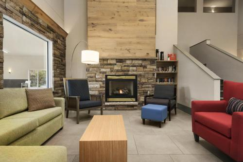 Country Inn & Suites by Radisson, Platteville, WI Photo