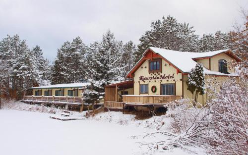 Riverside Motel Photo