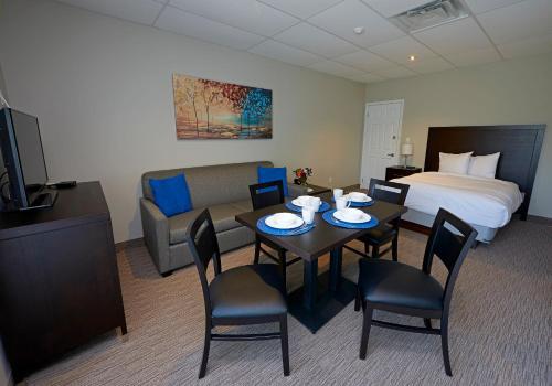 Wasaga Riverdocks Hotel Suites - Wasaga Beach, ON L9Z 2J8