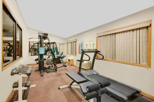Days Inn By Wyndham North Sioux City - North Sioux City, SD 57049