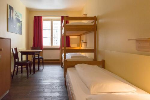 Euro Youth Hotel Munich Photo