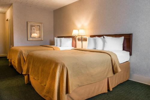 Quality Inn Pittsburgh Airport - Pittsburgh, PA 15071