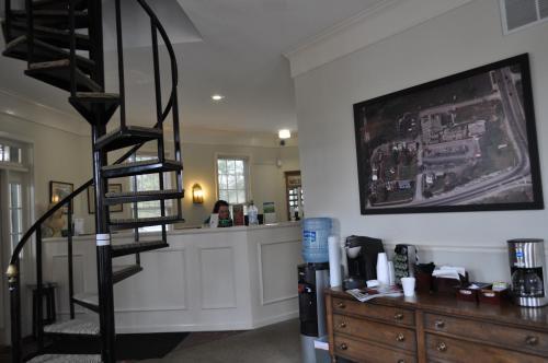 Century Suites Hotel - Bloomington, IN 47401