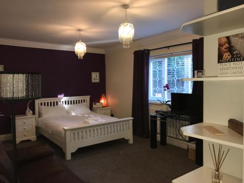 Halebarns House - Airport Boutique Guest House - Photo 6 of 246
