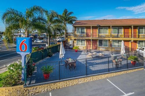 Motel 6 San Go Southbay