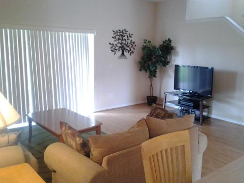 Executive Luxury Town Homes At Regal Palms - Davenport, FL 33897