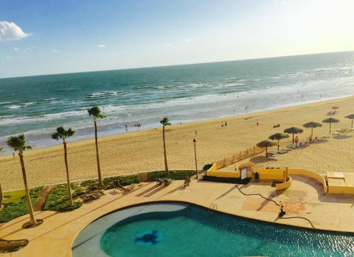 Beautiful Beachfront Condo Photo