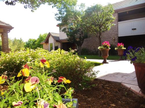 Greeley Guest House - Greeley, CO 80634