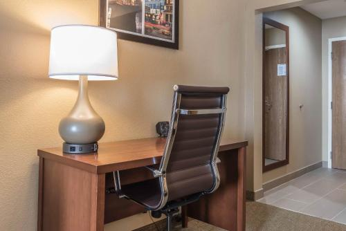 Comfort Suites Mason Photo