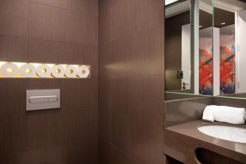 Enjoybcn Miro Apartments photo 61