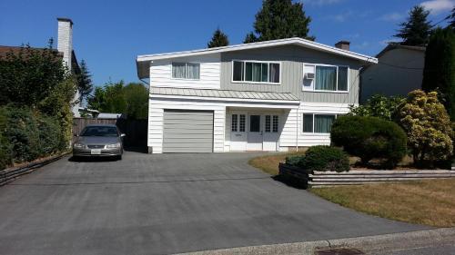 Quiet Suburb Home - Delta, BC V4C 3G4
