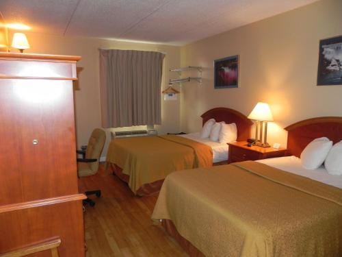 Rodeway Inn - Niagara Falls Photo