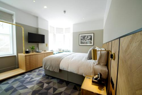 14 Leicester Place, WC2H 7BZ, London, England.