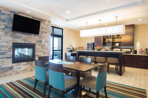 Hawthorn Suites by Wyndham Saint Clairsville Photo