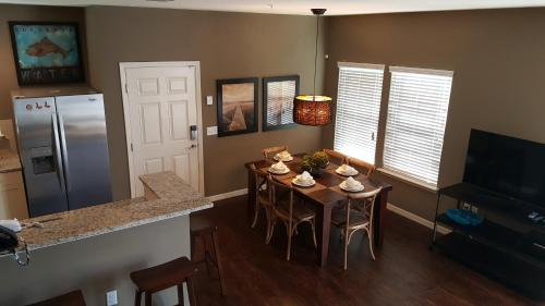 Cozy 4 Bedroom Townhouse In A Gated Community - Kissimmee, FL 34747
