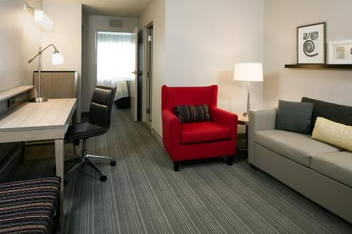 Country Inn & Suites by Radisson, Madison West, WI Photo