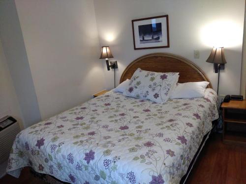 Clothier Mills Inn - Kemptville, ON K0G 1J0