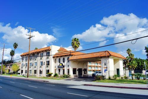 Days Inn Anaheim Near the Park Photo
