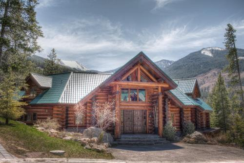 Stonewater Lodge - Panorama, BC V0A 1T0