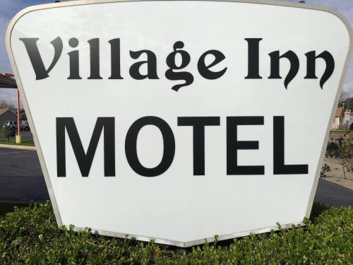 Village Inn Motel Holt Photo