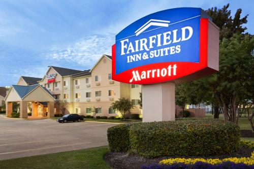 Fairfield Inn & Suites Houston I-45 North photo 13