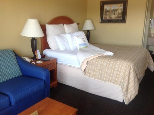 Days Inn Destin Photo