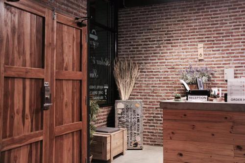 Yimwhan Hostel &Cafe photo 22