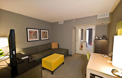 Doubletree Suites By Hilton Huntsville-south - Huntsville, AL 35802