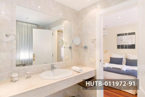 Fira Turistic House photo 40