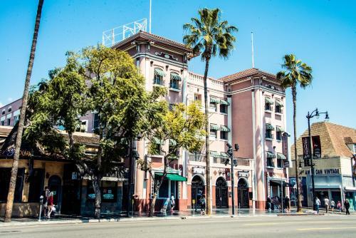 Hollywood Garden Apartment - Los Angeles, CA 90028