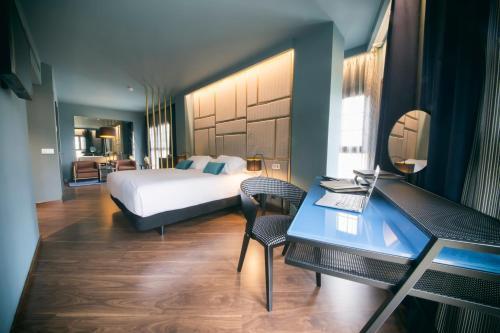 Habitación Doble Superior Pamplona Catedral Hotel 10