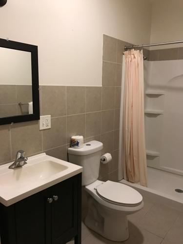 Waterbury Big Apple Motel - Waterbury, CT 06702