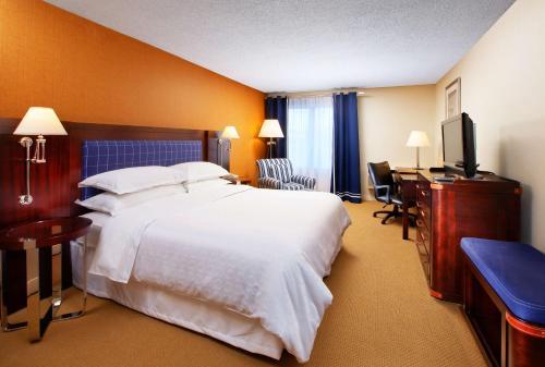 Sheraton Bellevue Hotel Photo